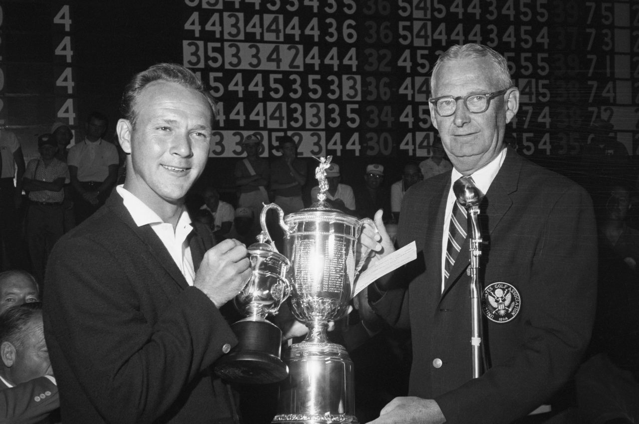 Arnold Palmer accepts the 1960 U.S. Open Trophy
